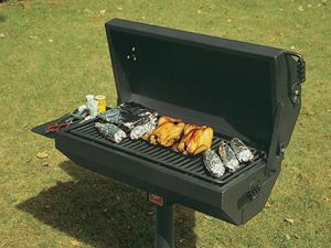 320 Square Inch Covered Barbecue Grill With Shelf Steel In